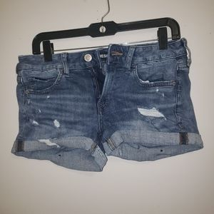 Express Distressed jean shorts Size2 relax low ris